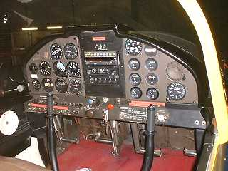 Cockpit Morana Rallye  Domergue Aviation