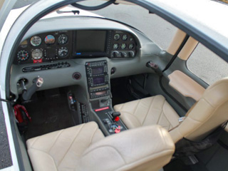 Cockpit Cirrus SR20 Domergue Aviation
