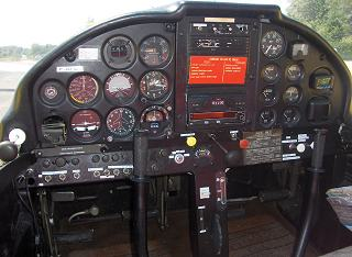 Cockpit Morana Rallye ST 100 Domergue Aviation